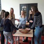 Studenten verzorging aan het oefenen met de Crdl